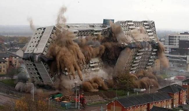 """Πότε μια έκρηξη κτιρίου είναι """"Έργο Τέχνης"""";"""