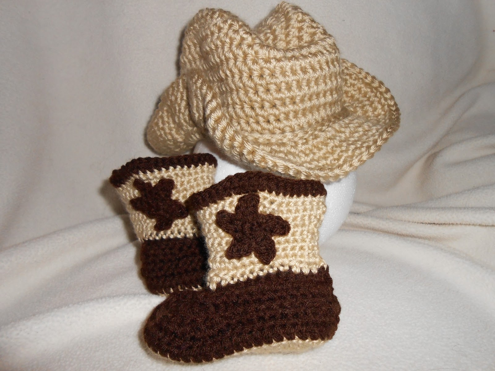 Crochet Baby Cowboy Booties Pattern Cowboy hat and boots ...