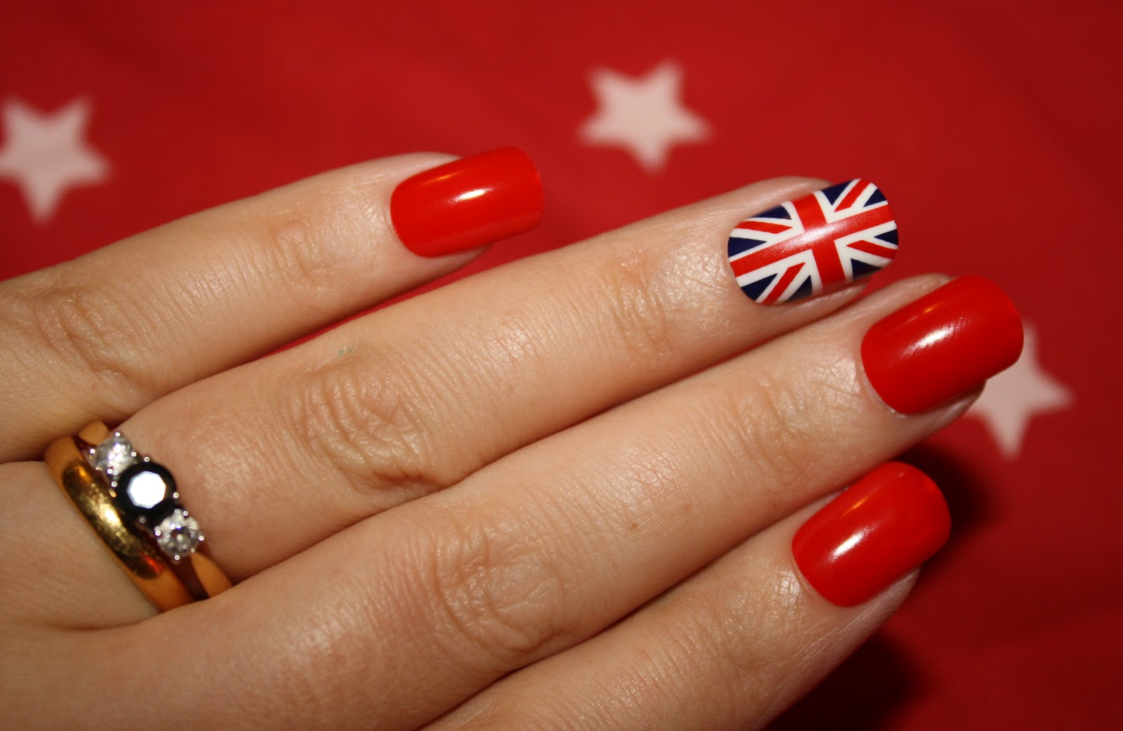 A million dresses uk fashion and lifestyle blog jubilee nails you might be thinking that my union jack nail is incredibly neat thats because it is by primark and not my own fair hands prinsesfo Image collections