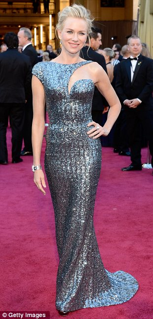 article 2284030 184165A6000005DC 458 310x644 Mega Photo Collection From The Oscars 2013