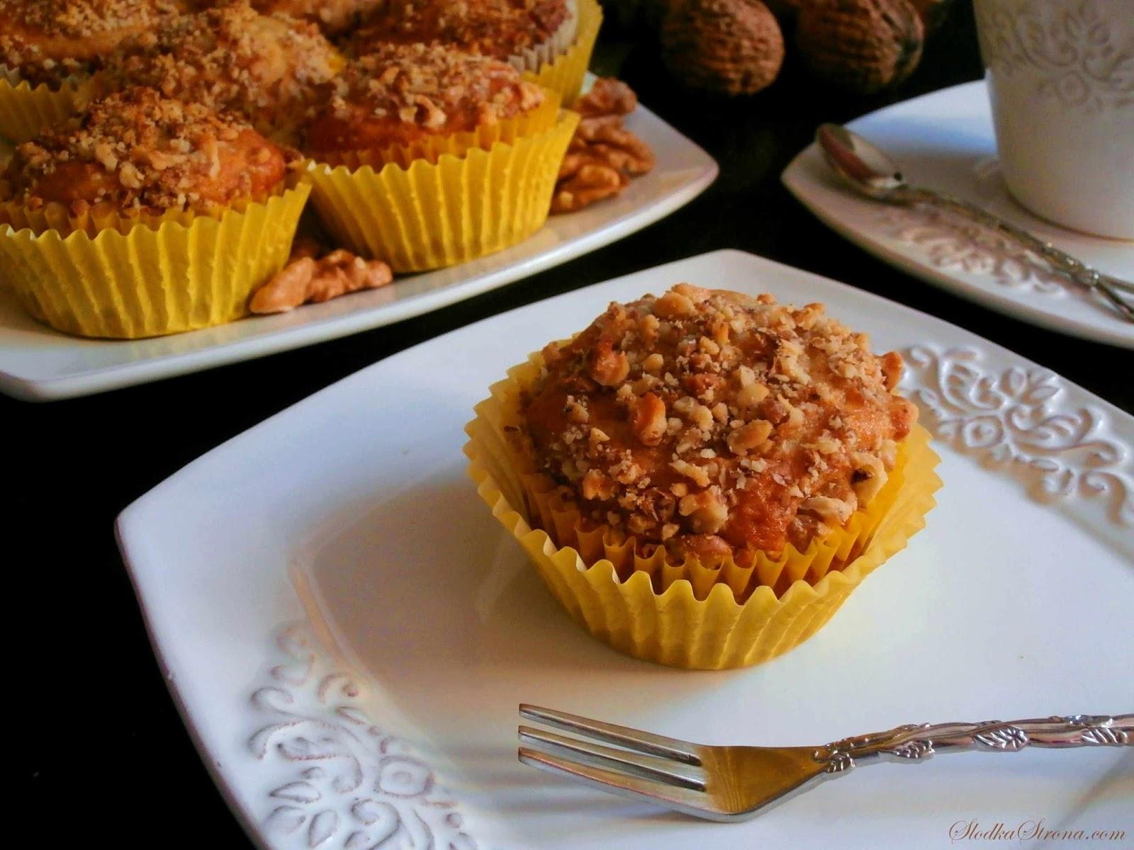 Muffinki Bananowo-Orzechowe - Przepis - Słodka Strona