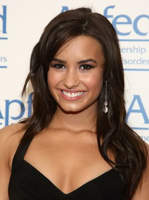 Demi Lovato Side Bang Hairstyles
