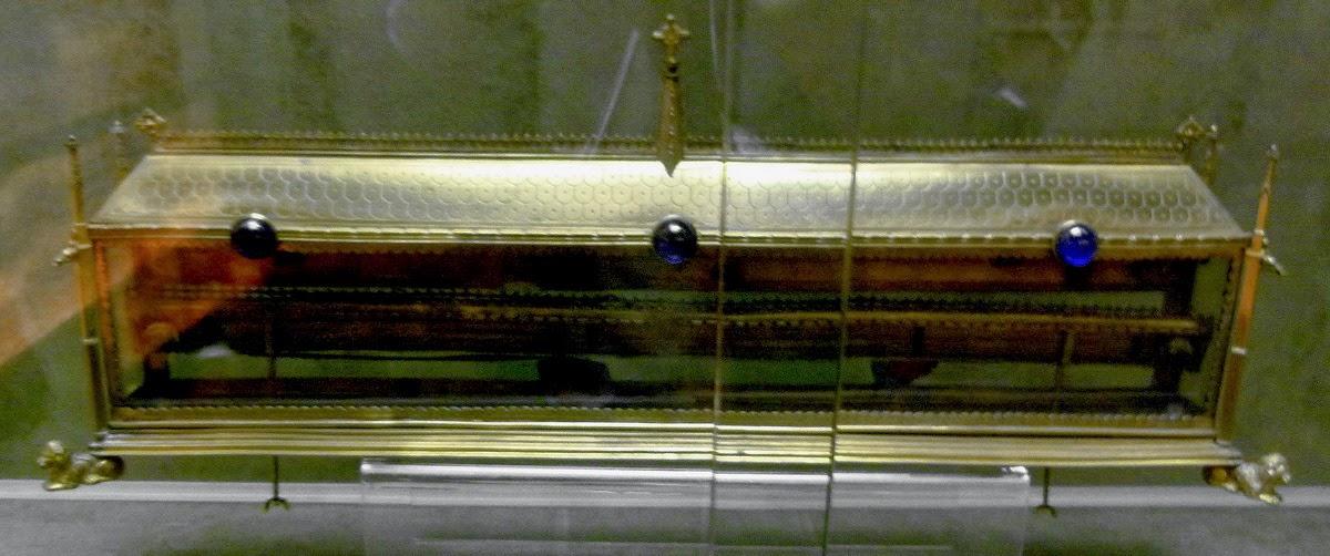 Η ζώνη που φορούσε η Παναγία όταν γεννούσε τον Χριστό http://leipsanothiki.blogspot.be/