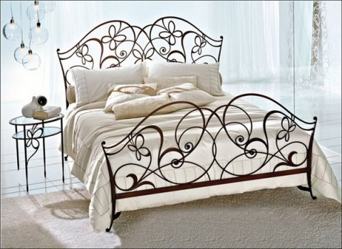Wrought iron bed furniture designs an interior design for Wrought iron furniture