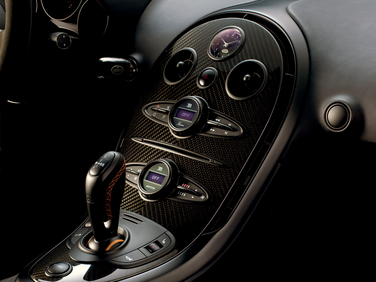 Bugatti Veyron Super Sport sets land speed record at