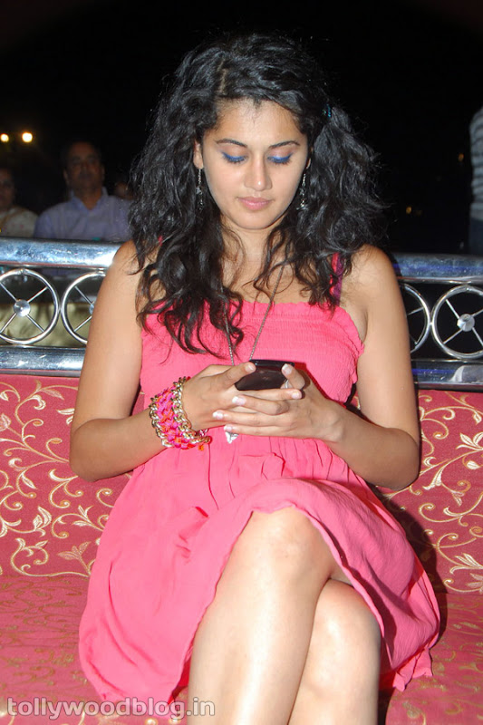 Tapsee Ponnu Hot Photo in Pink Dress Photoshoot images