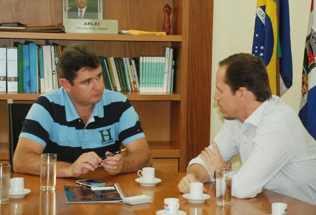 Prefeito Arlei e o secretário nacional de Esporte, Educação, Lazer e Inclusão Social, Ricardo Cappelli