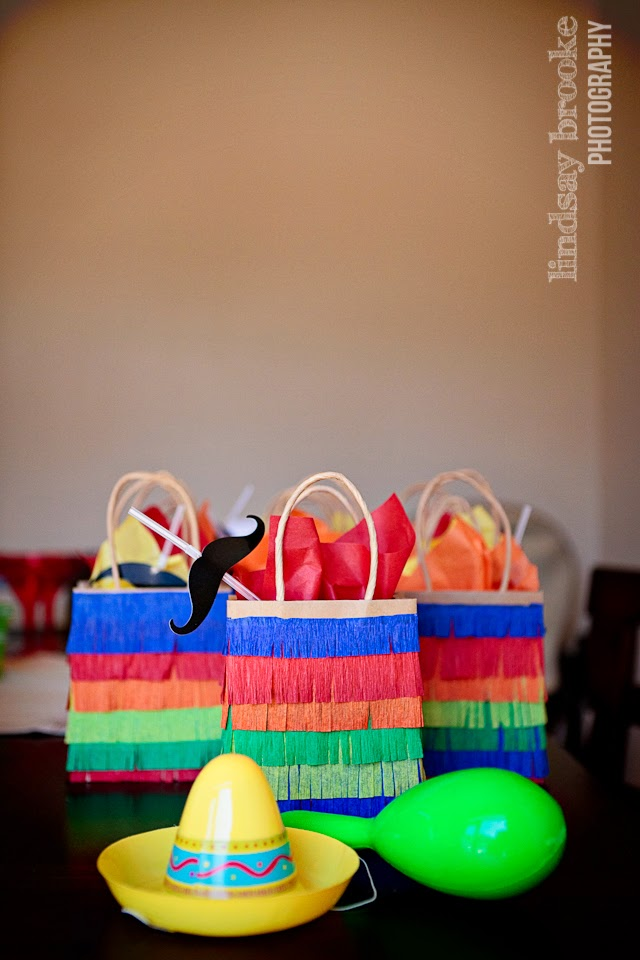 pinata favor bags DIY