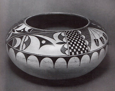 Maria Martinez Ceremonial corn storage jar, ca. 1920 H. 15.2 cm