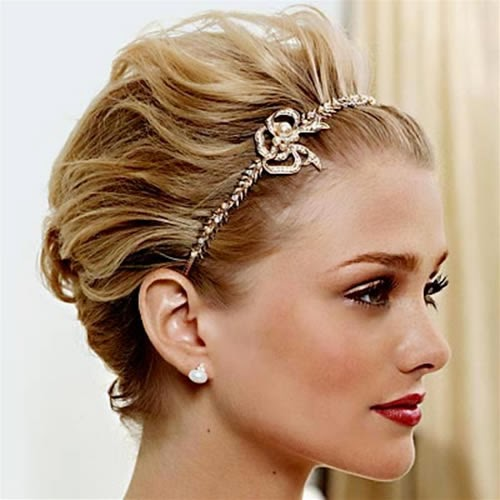 blonde hairstyles-for-bride-with-short-hair