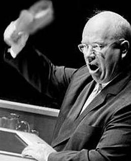 Khrushchef y su zapato en la Asamblea General de la ONU en 1960. Tiempos difíciles