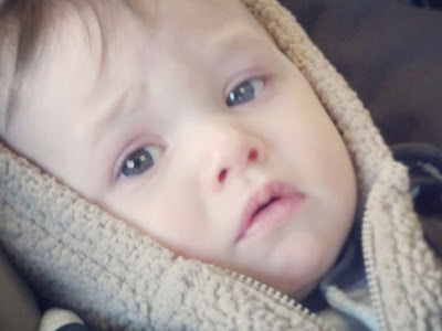 Gambar-Bayi-Terlihat-Sedih