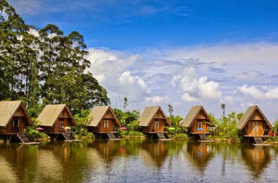 Penginapan Dusun Bambu-Restoran Dusun Bambu-Pasar Dusun Bambu-Tiket Masuk Dusun Bambu-Lokasi Dusun Bambu.