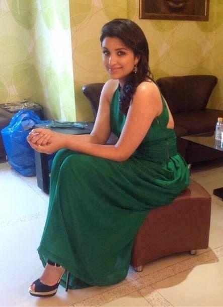 Parneeti Chopra In Smily Face
