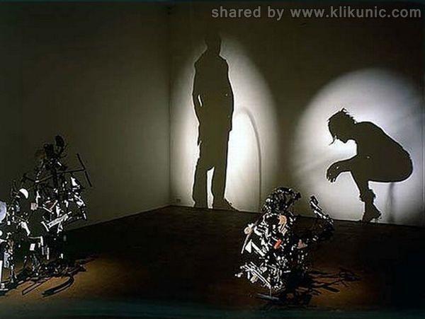 http://3.bp.blogspot.com/-CtupktIzp10/TXn03gldymI/AAAAAAAAQ9Q/SrelL1jedlU/s1600/amazing_shadow_art_07.jpg