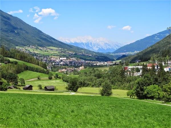 Fulpmes Austria  city photos : Fulpmes Austria Wikipedia Fulpmes nr Innsbruck Austria