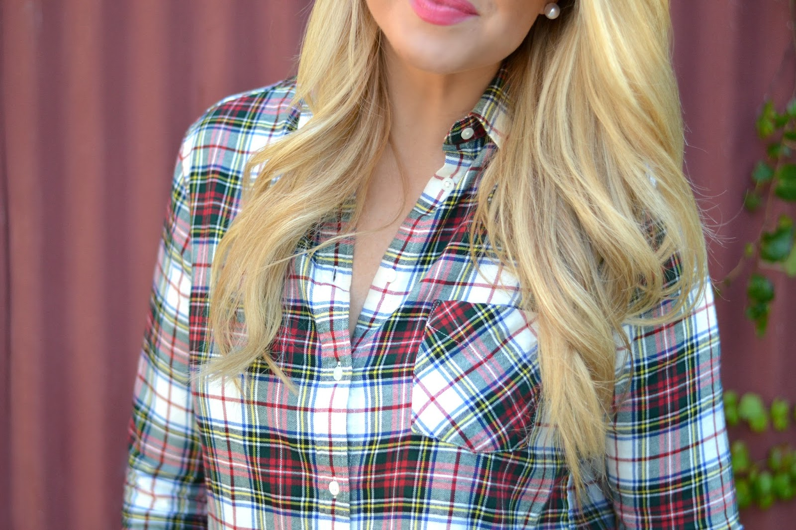plaid-button-down-shirt-ladies