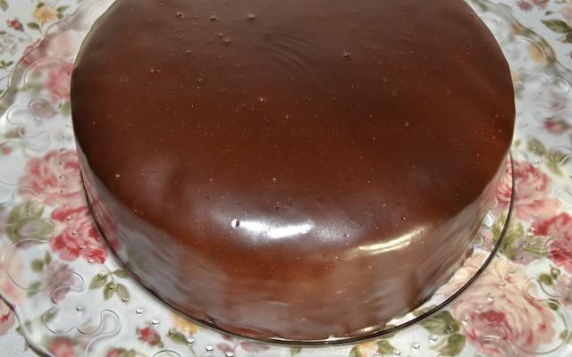 como-bañar-bizcocho-con-chocolate