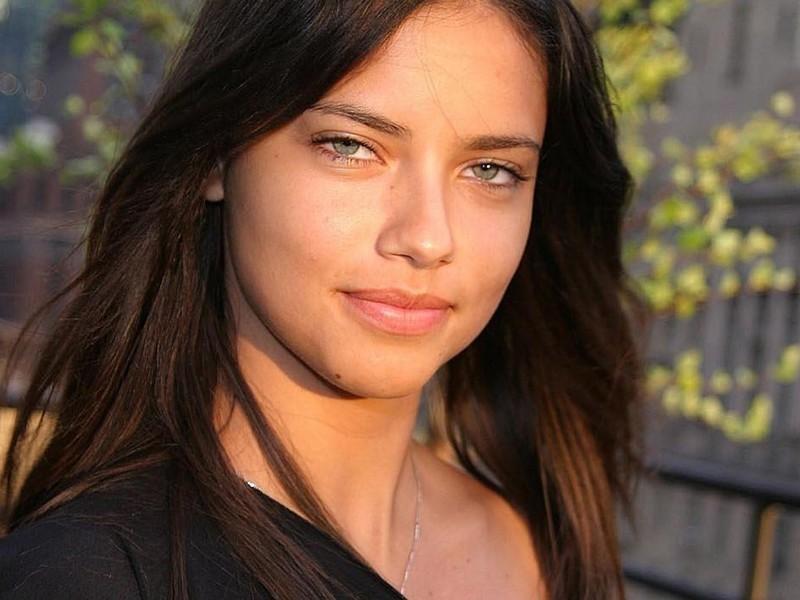 WITHOUT MAKEUP CELEBRITIES: Adriana Lima Without Makeup ...