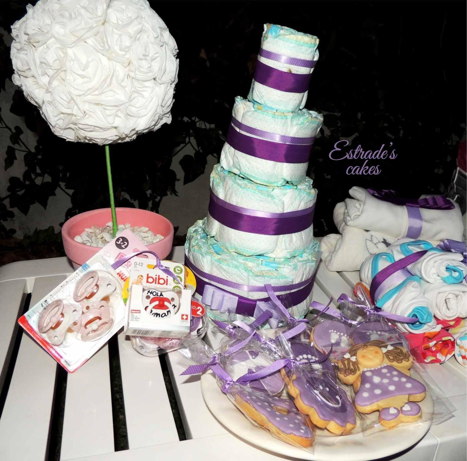 baby shower lila - tarta pañales