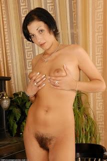 Casual Bottomless Girls - rs-ven012JAT_152050093-743288.jpg