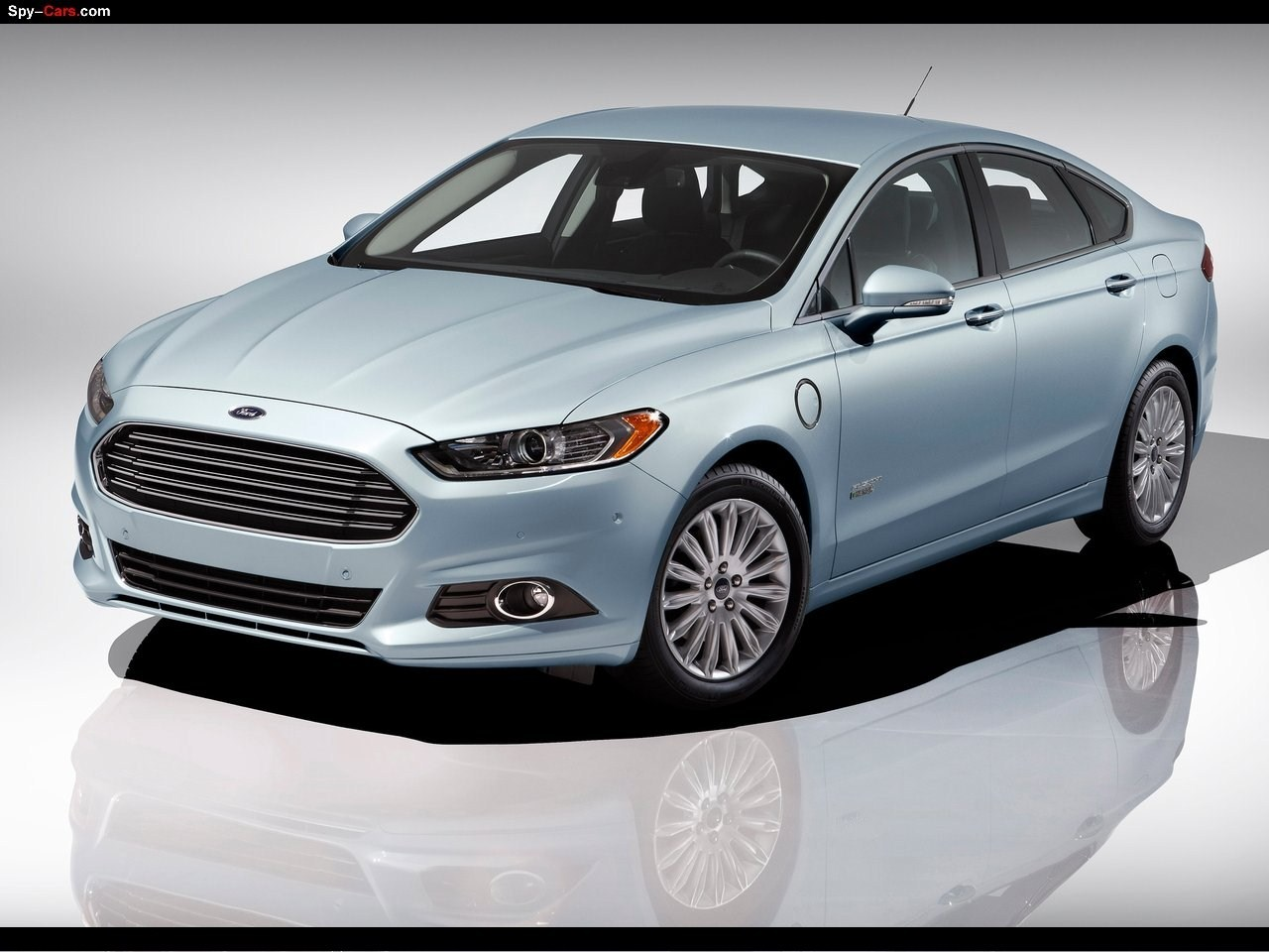 Ford Fusion Energi Spy Photos