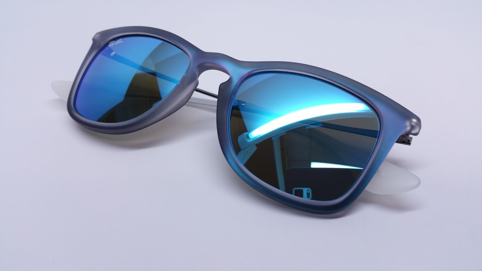 Ray-Ban RB 4221 617055 AVc0a