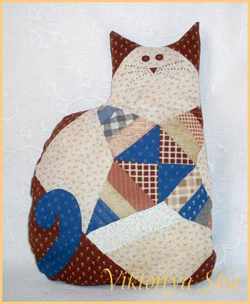 кошка-подушка