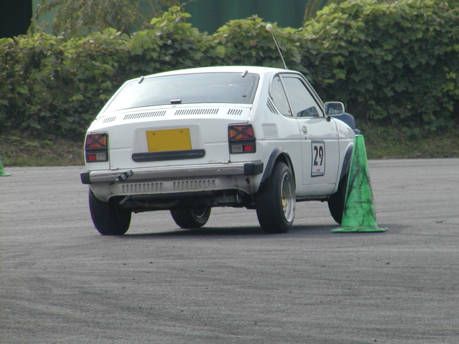 Suzuki Cervo SS20, małe sportowe auta, samochody z silnikami 3-cylindrowymi, stare auta z napędem na tył, レース、自動車競技、軽自動車、スポーツカー、クラシックカー