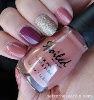 Mauve Accent Manicure