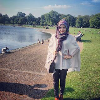 Foto Gaya Jilbab Modern Zaskia Sungkar Gaya Hijab Style