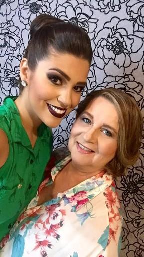 Mãe de Vivian do 'BBB 17' não quer ver filha no edredon: 'Que seja discreta'