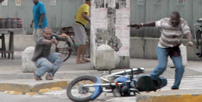 Foto de tiroteo en Ro de Janeiro, marzo 2010, de Alexandre Vieira