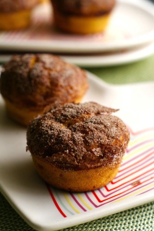 Cinnamon Crunch Butternut Squash Muffins | thetwobiteclub.com