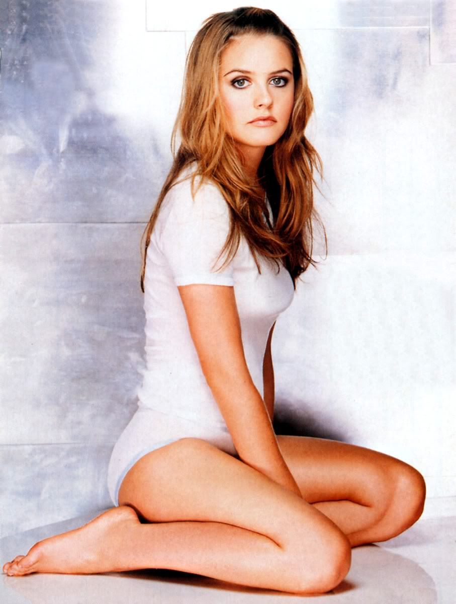Alicia Silverstone Sexy Hot Thigh Exposed