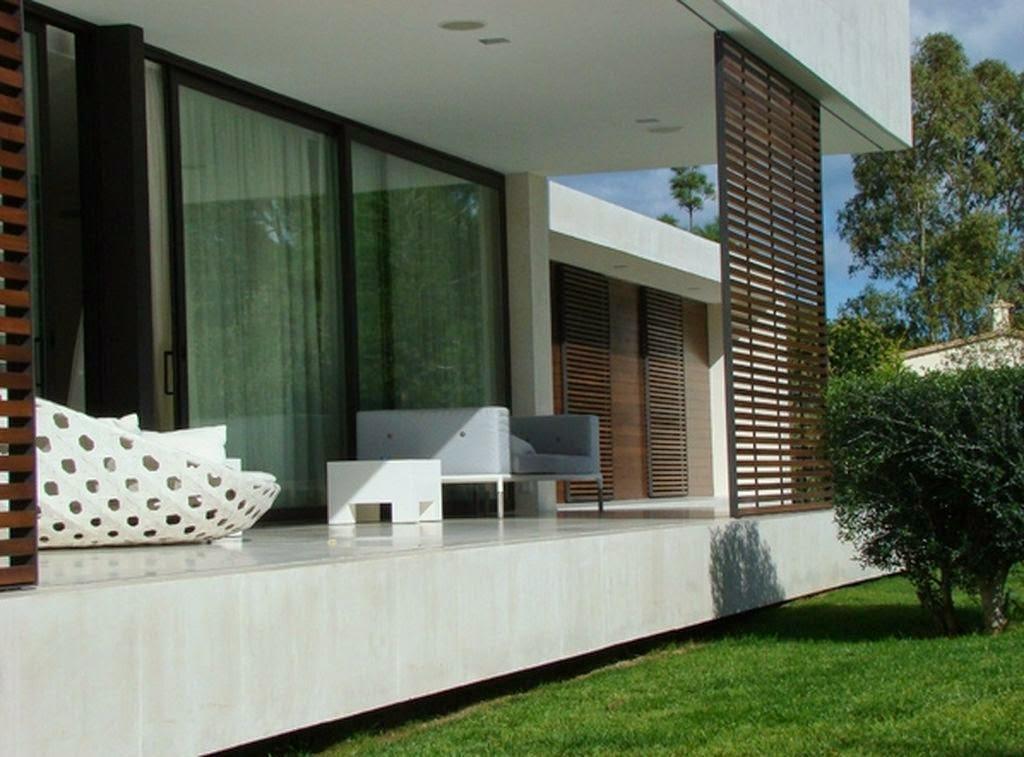 Pohon rindang didepan rumah minimalis