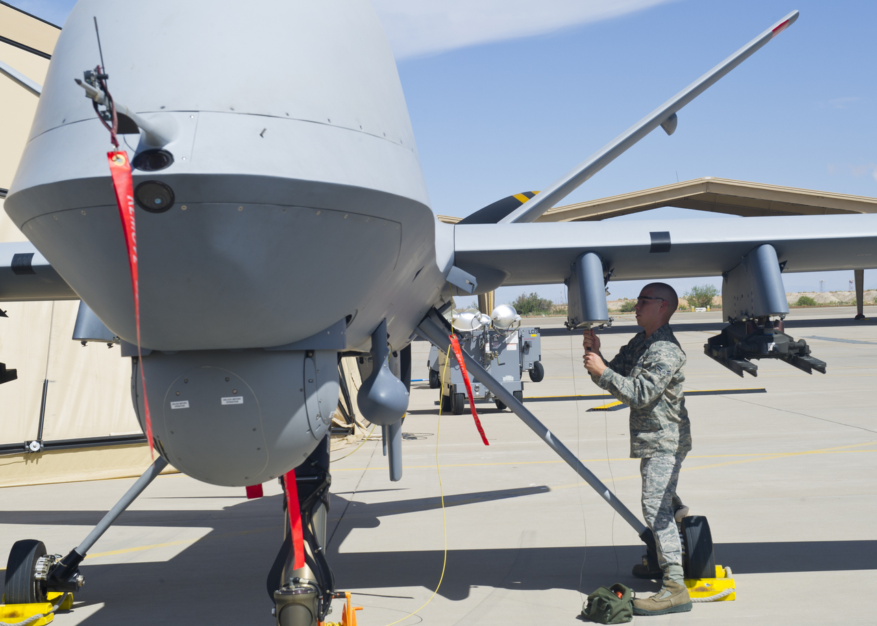 Arming+MQ 9+Reaper+HunterKiller+Unmanned+Combat+Air+Vehicle+(UCAV)+usaf+united+states+air+force+CIA+pakistan+afghanistan+iraq+mission+helfire+missile+(1) arming mq 9 reaper hunter killer unmanned combat air vehicle (ucav  at bayanpartner.co