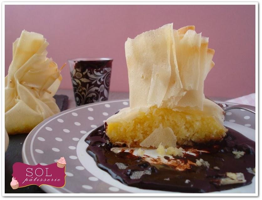 Aumonières à la noix de coco et sa sauce au chocolat - Trouxinhas de coco com calda de chocolate