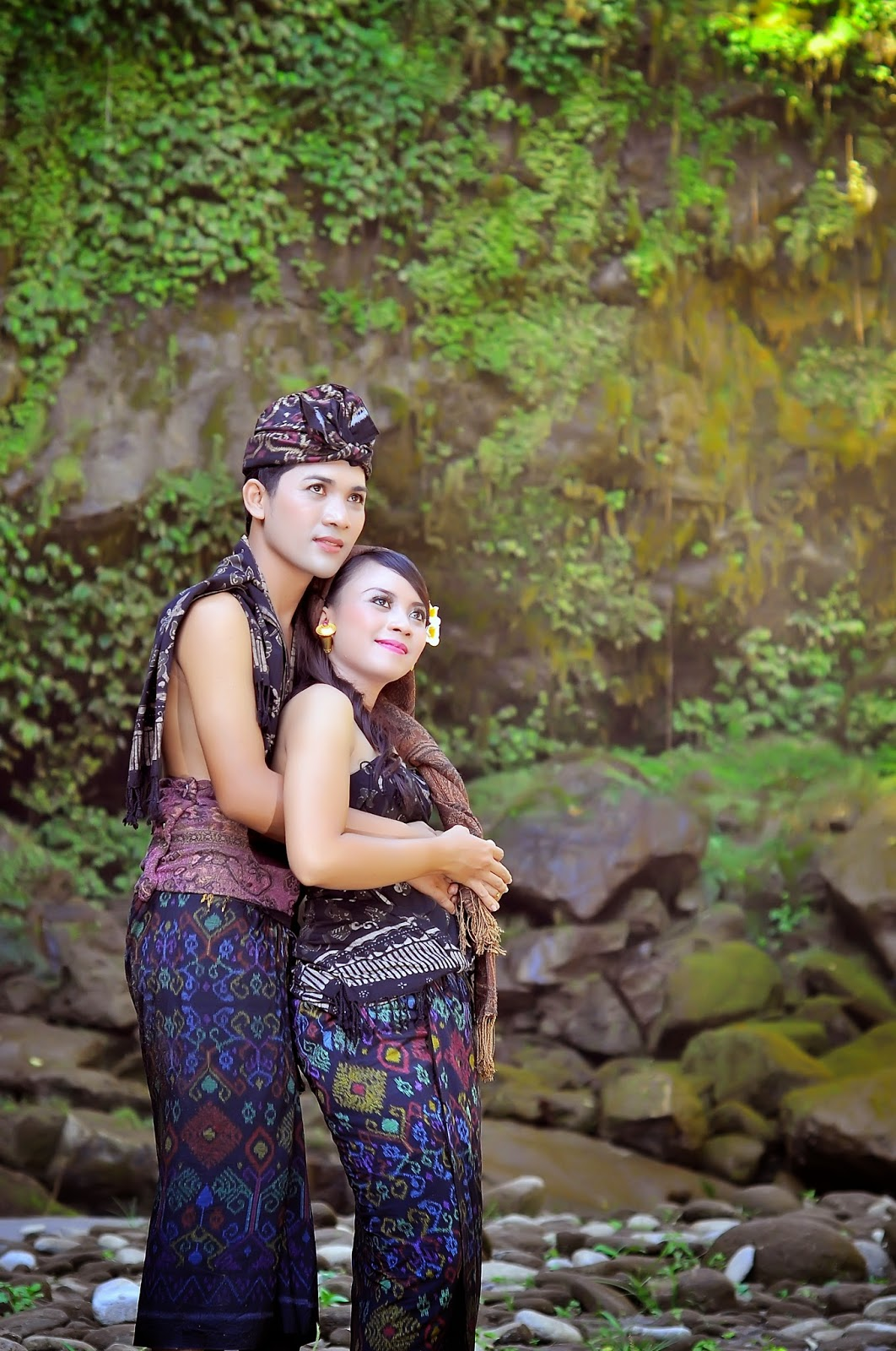photo Prewedding pakian adat bali