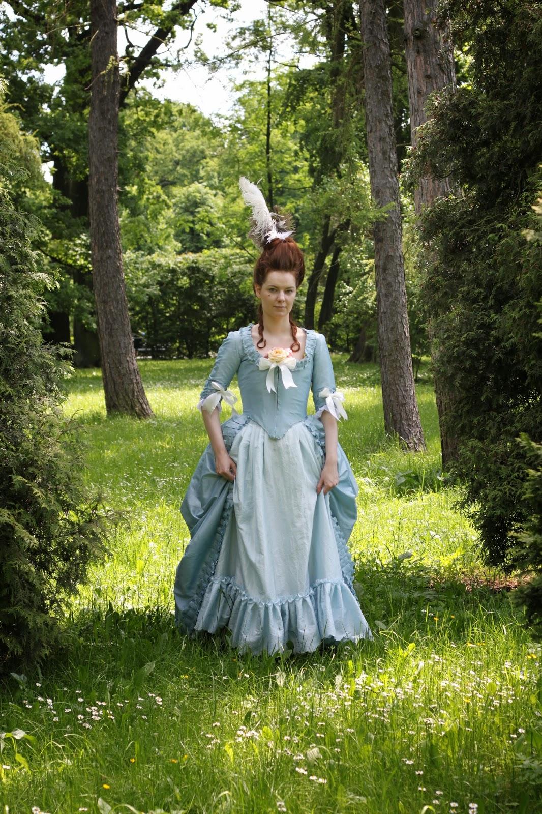 http://kostiumiglanitka.blogspot.com/2014/05/reklama-fermy-strusiej.html