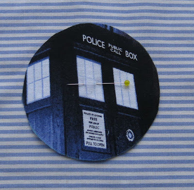 Hand applique circles - Quilty 365 project - Doctor Who day