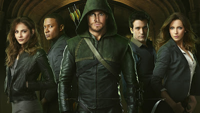 "Arrow Season 1 Cast Photo - Willa Holland as Thea Queen, David Ramsey as John Diggle, Stephen Amell as Qliver Queen-Arrow, Colin Donnell as Tommy Merlyn & Katie Cassidy as Dinah ""Laurel"" Lance"