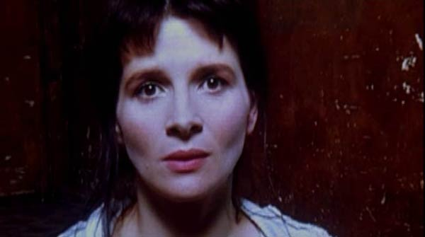 Juliette Binoche in Code Unknown