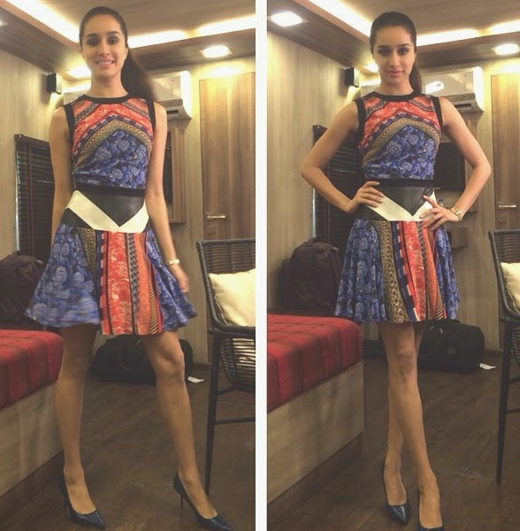 shraddha kapoor hot short skirt