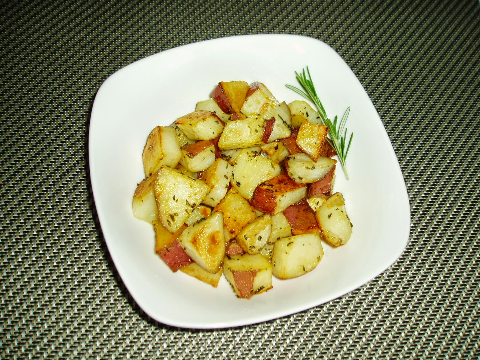 how to cut potatoes for roasting