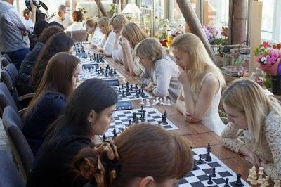 Test QI : blondes vs brunes aux échecs
