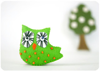 felted green bird owl brooch