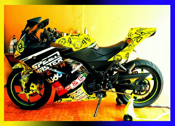 Modifikasi Ninja 250 RR ABS With Stiker