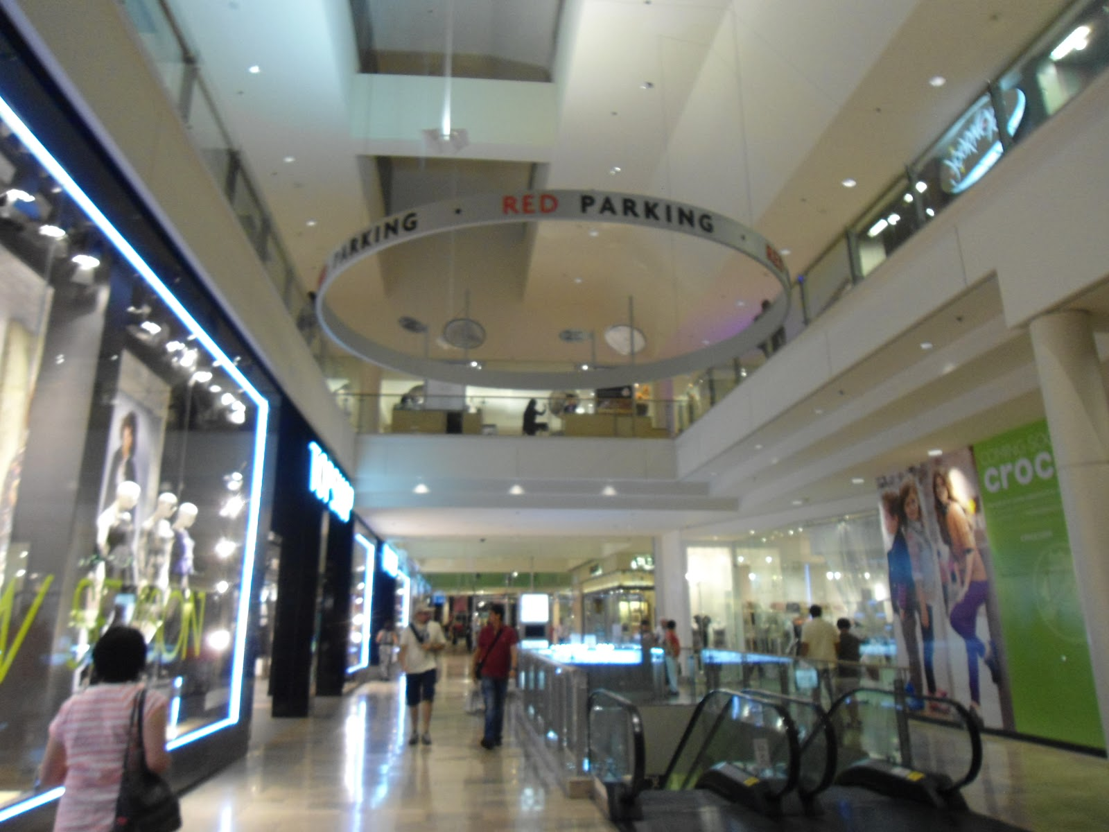 Fashion show mall address 29