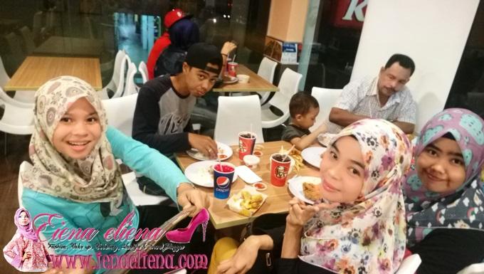 KFC Bersama Keluarga
